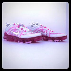 Nike Vapormax Women's Size 7.5 New without box.